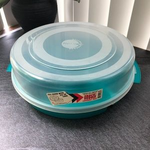 NWT Eclipse 5 Sectional Round Plastic Serving Tray